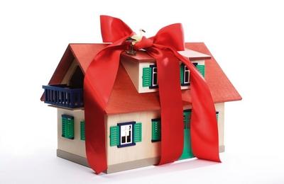 Недвижимость в подарок: как оформить дарственную?